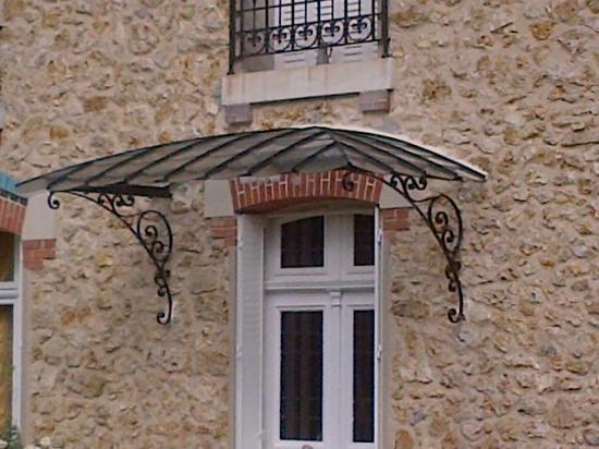 Cr ation de marquise perron poteau d coratif - Marquise de porte aluminium ...