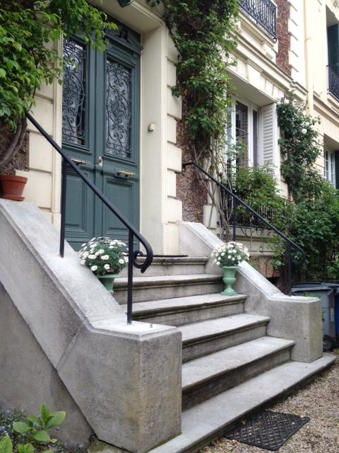 Ferronnerie rampe for Escalier exterieur entree maison
